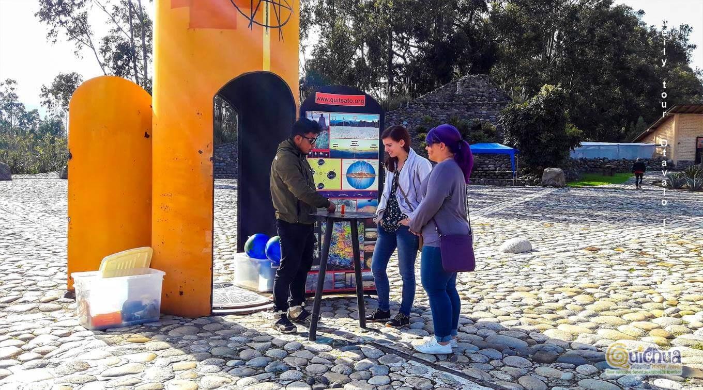 Visiting the Otavalo Market day tour Ecuador quitsato miad del mundo ecuador linea