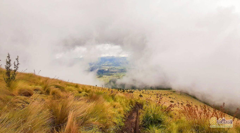 Trekking and hiking around lakes in Otavalo Cotacachi