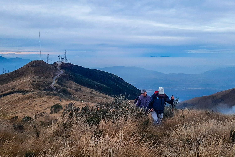 Climb Tours Cotacachi Volcano Ecuador otvalo crater high