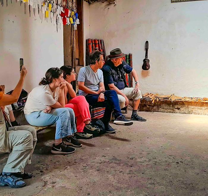 Communities trip and Cuicocha lake tour instrumentos musicales otavalo