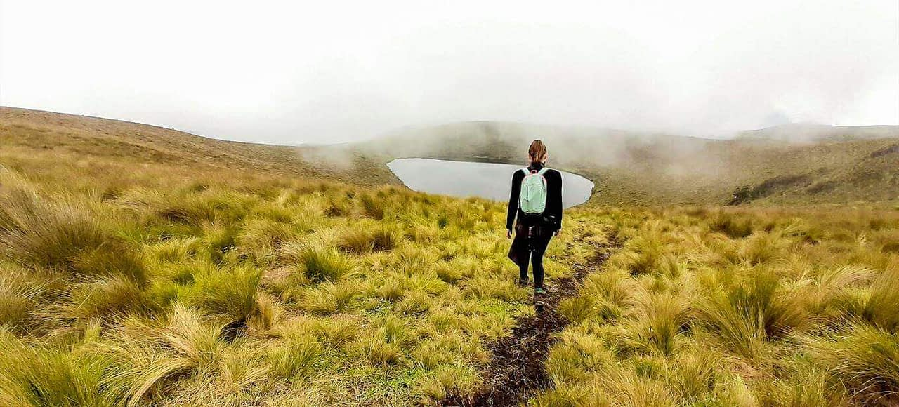 Discover hiking mountain and the Cubilche lagoons
